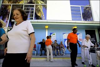 Fotografía de votantes en Miami Beach, realizada por Alex Quesada