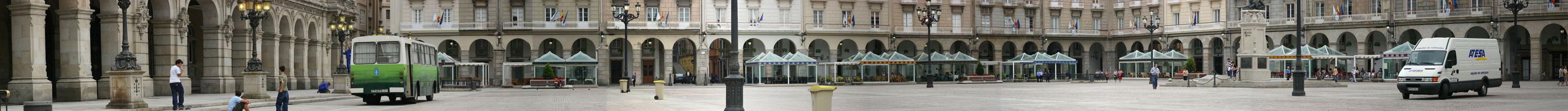 Plaza de María Pita, A Coruña, verano de 2004